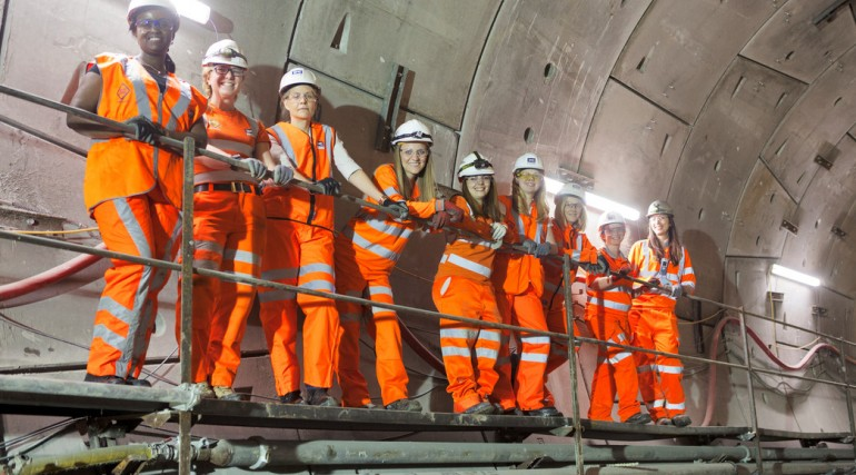 03 Female engineers working on Europe's largest engineering project_146273