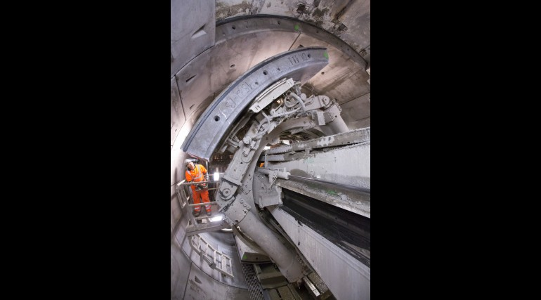 Construction of Crossrail's Western tunnels – concrete segment being installed in tunnel_72209