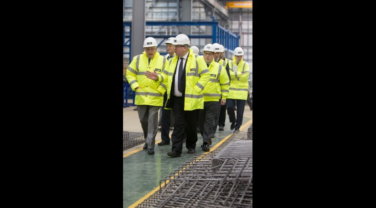 115005_Transport Secretary visits Midlands factory building Crossrail Custom House station
