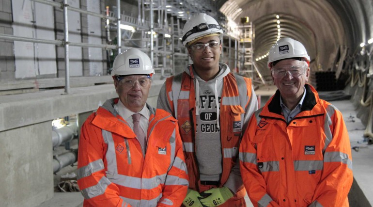 1_John Hayes MP and Sir Terry Morgan meet Kayne WIlson Crossrail 600 apprentice_251183