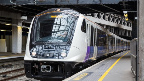 TfL Rail begins operating services between London Paddington and Reading