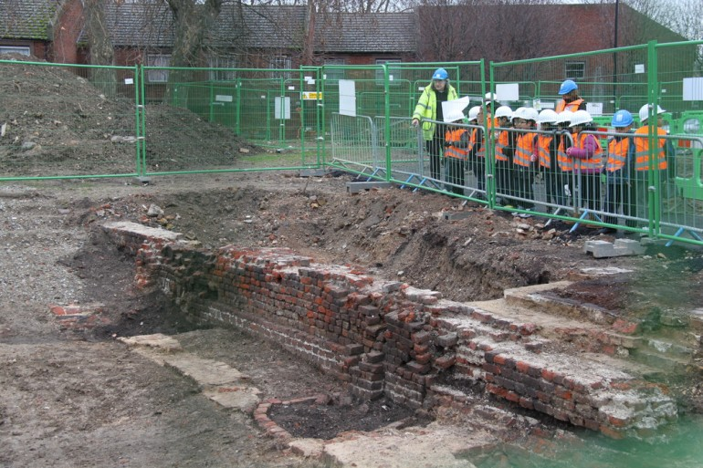 Archaeological dig opened up in Stepney Green