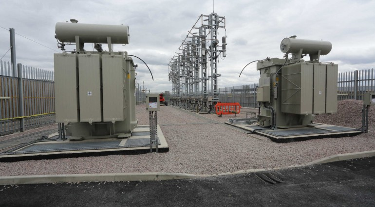 20 Auto transformer and high voltage switchgear installed at Plumstead_270001