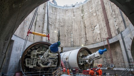 Crossrail�s 4th tunnelling machine Victoria starts her journey