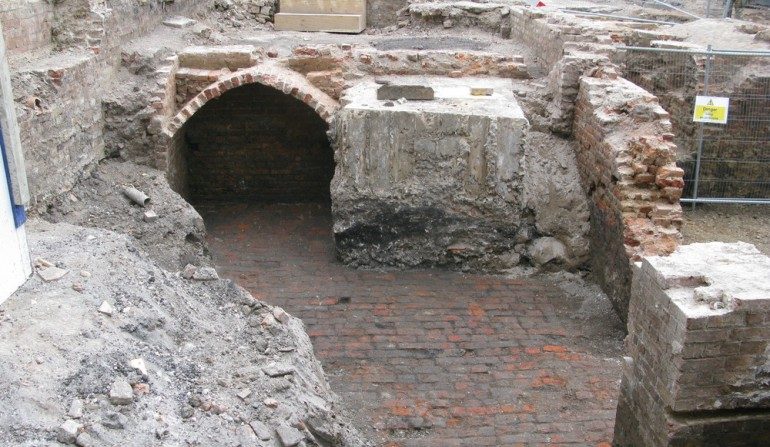 Brick arched cove uncovered at Tottenham Court Road ticket hall site