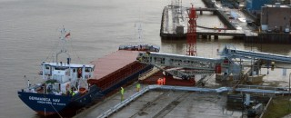 First shipload of earth from London�s new rail tunnels arrives at Wallasea Island