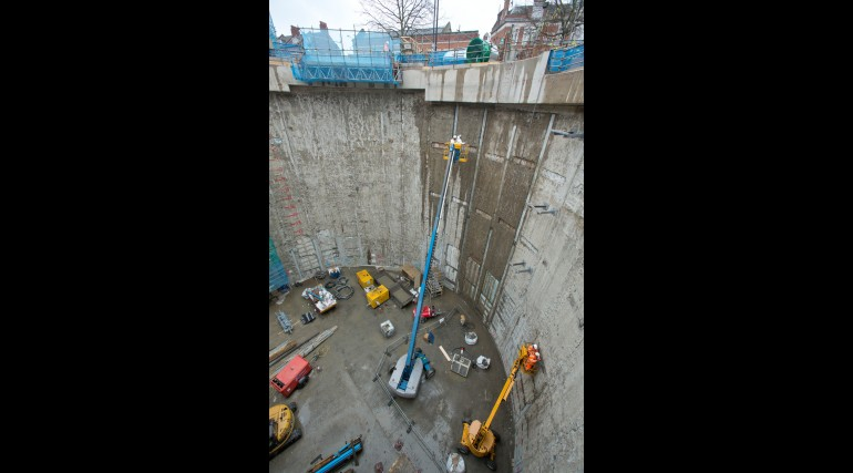 Construction of the Cambridge Heath shaft at Whitechapel Station