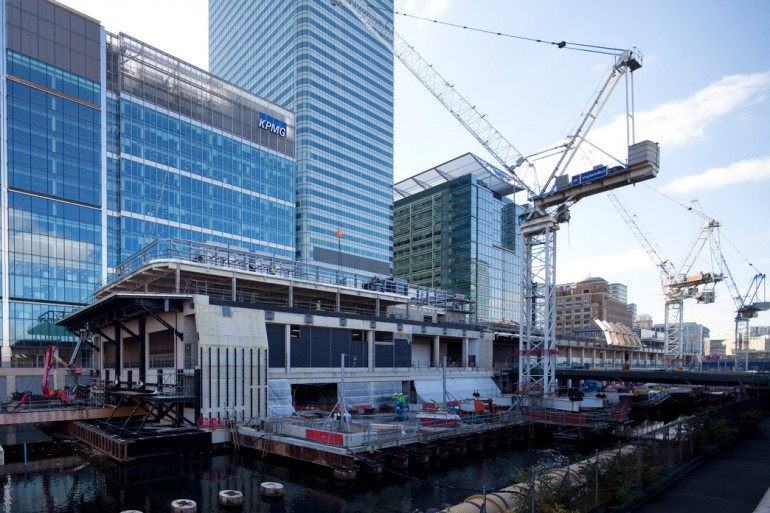 Construction begins on landmark timber roof above Canary Wharf Crossrail station