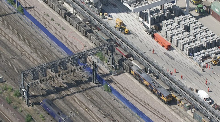 97098_Aerial view of excavated material from Western Tunnels being loaded onto GB Railfreight train