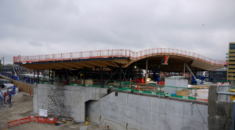 Abbey Wood station roof takes shape_250805
