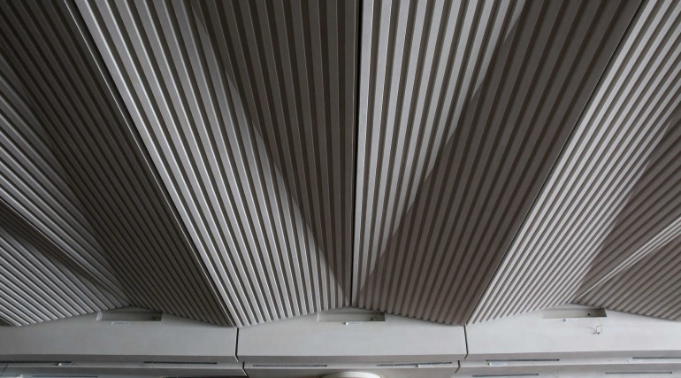 Architectural ceiling installed within Broadgate ticket hall at Liverpool Street station_267226