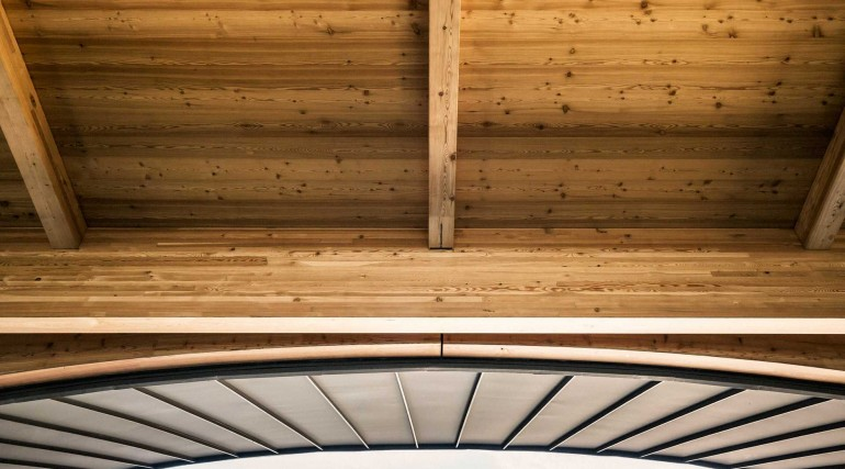 Architectural timber roof at Abbey Wood station_275700