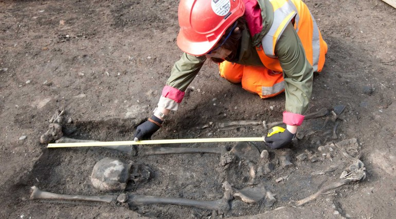 Beheaded Roman skeleton uncovered during Broadgate ticket hall excavation_196018