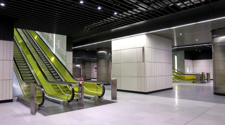 Canary Wharf Crossrail station ticket hall level September 2015_206478