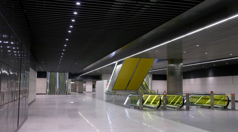 Canary Wharf Crossrail station ticket hall level September 2015_206487