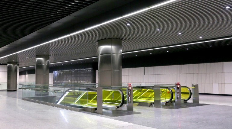 Canary Wharf Crossrail station ticket hall level September 2015_206493
