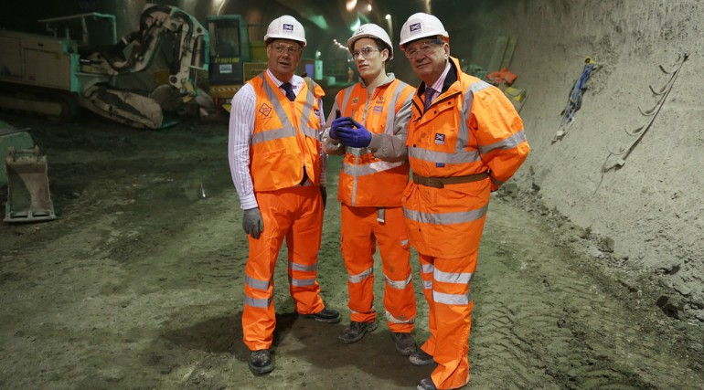 Crossrail Apprentice of the Year Rudy Nieddu meets Rail Minister Stephen Hammond_127634