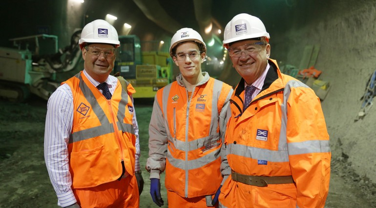 Crossrail Apprentice of the Year Rudy Nieddu meets Rail Minister Stephen Hammond_127637