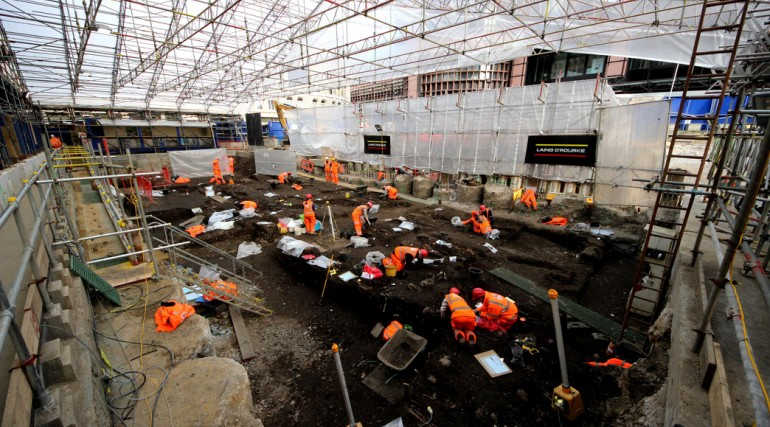 Crossrail excavate Bedlam burial ground at Liverpool Street_189126