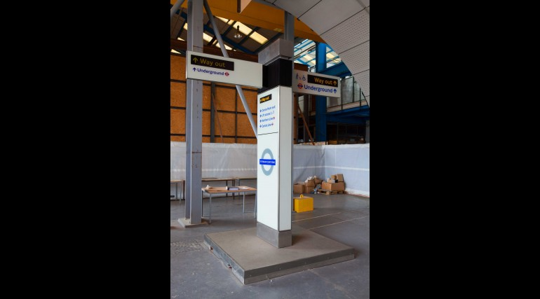 Crossrail platform mock-up in Leighton Buzzard_233344