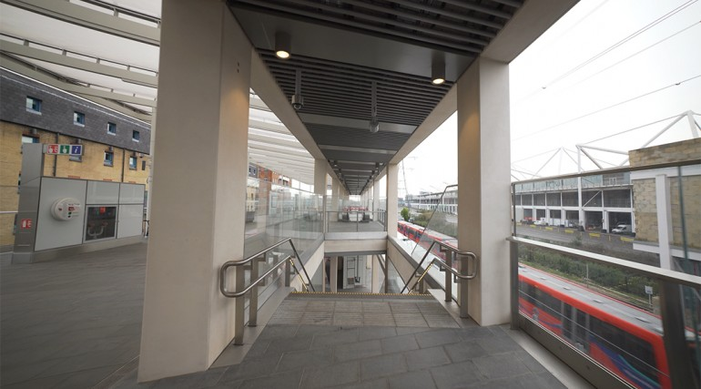 Custom House Station_333801