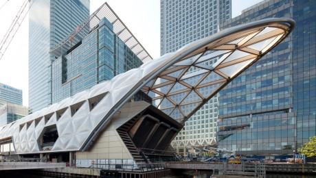 Roof above Canary Wharf Crossrail station completes