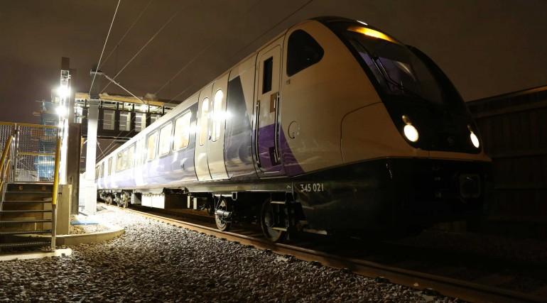 Elizabeth line train makes successful maiden voyage across south east London_301049