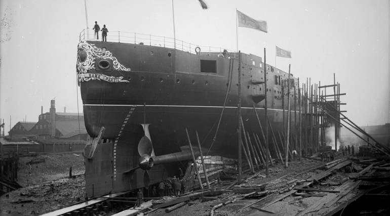 HMS Sans Pareil nearing launch date 1887_136371