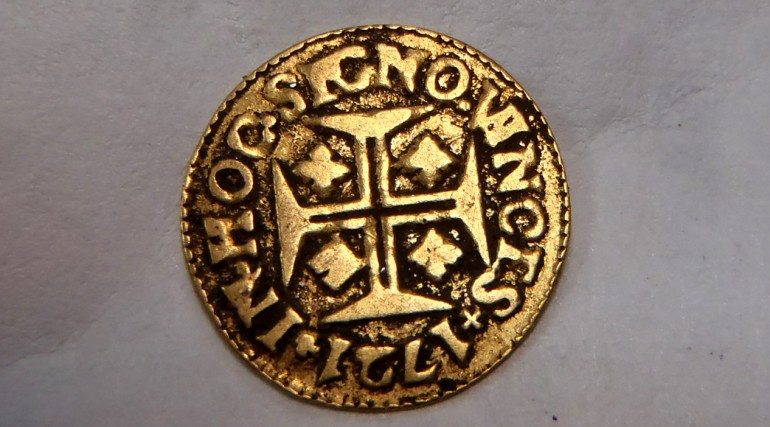 Gold 400 reis coin from the reign of King John V of Portugal_189945