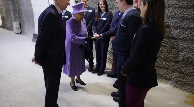 Her Majesty the Queen visits the under-construction Crossrail station at Bond Street_227835