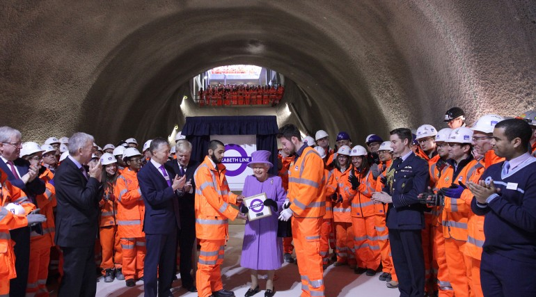 Her Majesty the Queen visits the under-construction Crossrail station at Bond Street_227841