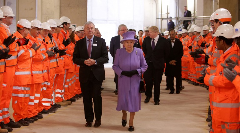 Her Majesty the Queen visits the under-construction Crossrail station at Bond Street_227847