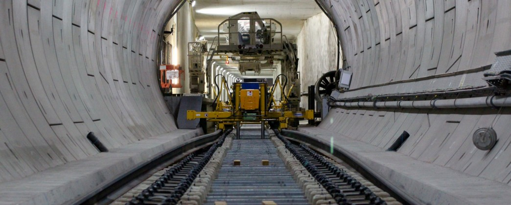 Railway systems - from tunnelling to track