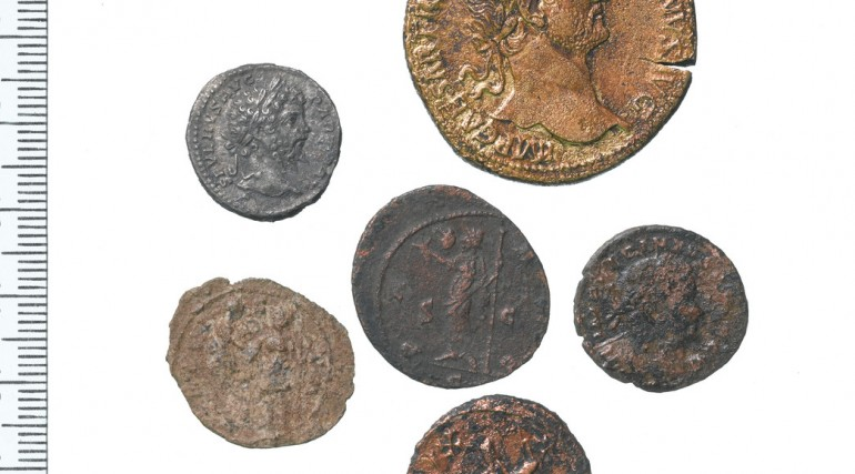 Roman copper alloy and silver coins from the Broadgate Ticket Hall site_124252