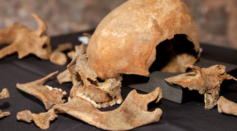 Skeletons discovered at Charterhouse Square confirmed as black death victims_132078
