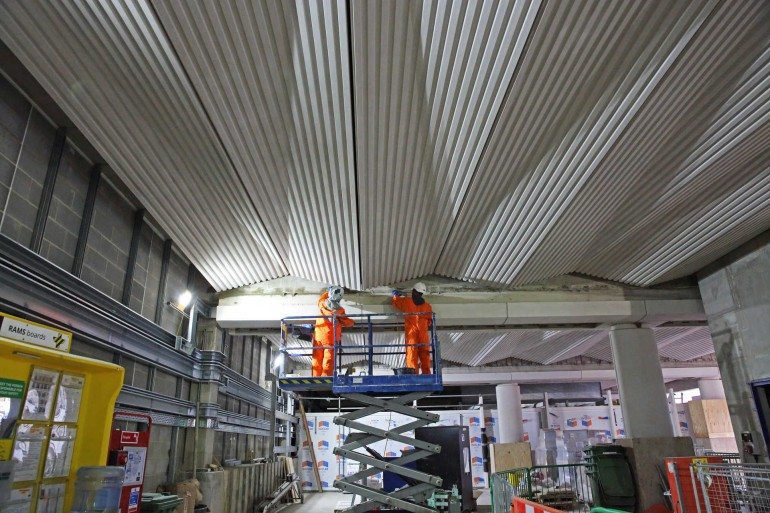 Striking architectural ceilings completed at Farringdon and Liverpool Street Elizabeth line stations