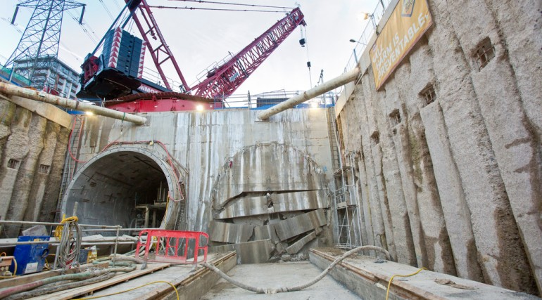 TBM Ellie breaks through in Victoria Dock Portal October 2014_162495