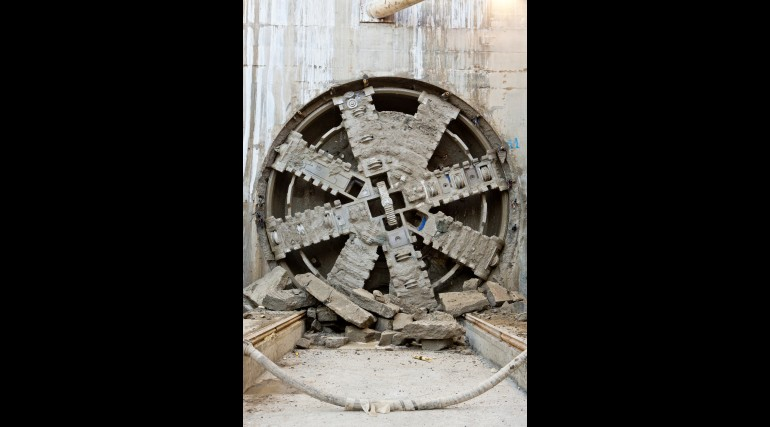 TBM Ellie breaks through in Victoria Dock Portal October 2014_162521
