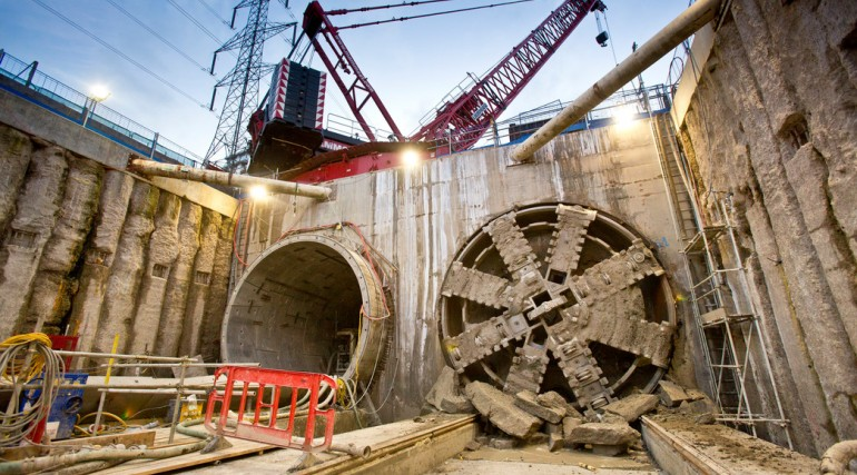 TBM Ellie breaks through in Victoria Dock Portal October 2014_162536