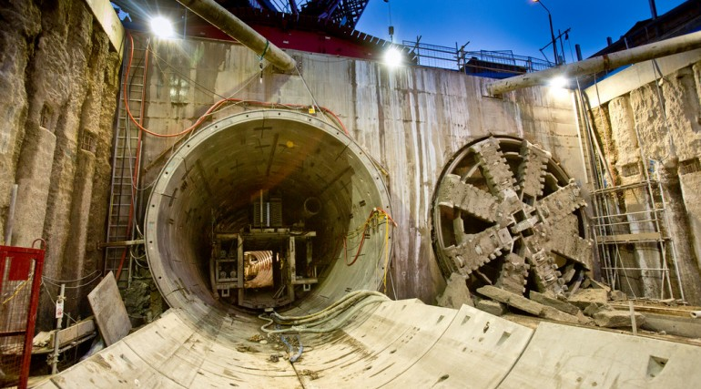 TBM Ellie breaks through in Victoria Dock Portal October 2014_162548