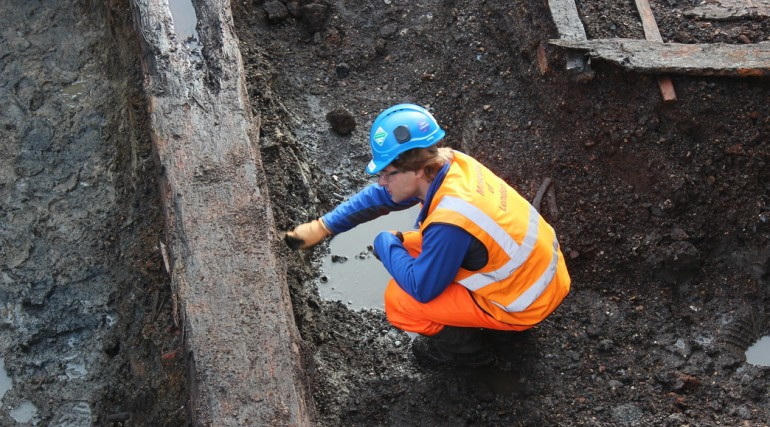 Thames Ironworks uncovered at Instone Wharf_48437