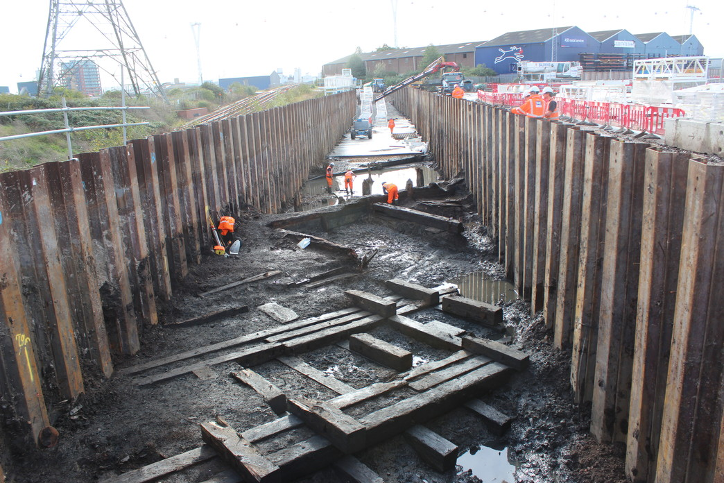 Thames Ironworks uncovered at Instone Wharf_48421
