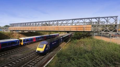 350 tonne bridge launched over rail line at Iver